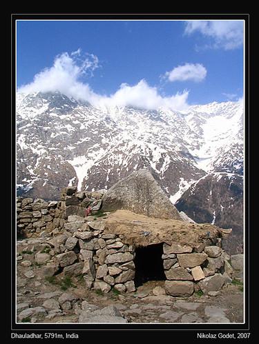 india montagne himalaya dharamsala inde ganj mcleod dhauladar