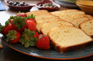 berries and pound cake