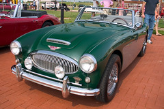 aston martin db2(0.0), touring car(0.0), ac ace(0.0), austin-healey sprite(0.0), automobile(1.0), vehicle(1.0), automotive design(1.0), austin-healey 100(1.0), austin-healey 3000(1.0), antique car(1.0), classic car(1.0), vintage car(1.0), land vehicle(1.0), coupã©(1.0), sports car(1.0),