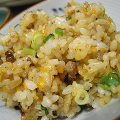 produce(0.0), khichdi(1.0), steamed rice(1.0), thai fried rice(1.0), food grain(1.0), yeung chow fried rice(1.0), rice(1.0), food(1.0), pilaf(1.0), dish(1.0), fried rice(1.0), cuisine(1.0),