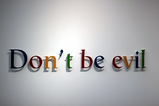 la FIAC aime Google - DOnt't be evil | by tangi_bertin