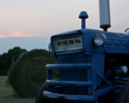 sunset tractor ford farm hayfield medlock