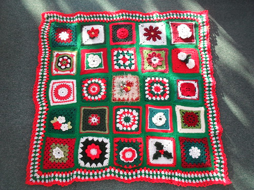 Ta - Dah! Introducing SIBOL No. 36 '900 Squares I'm counting for the big one!'  'Christmas Blooms' - named by LT81 Thank you!