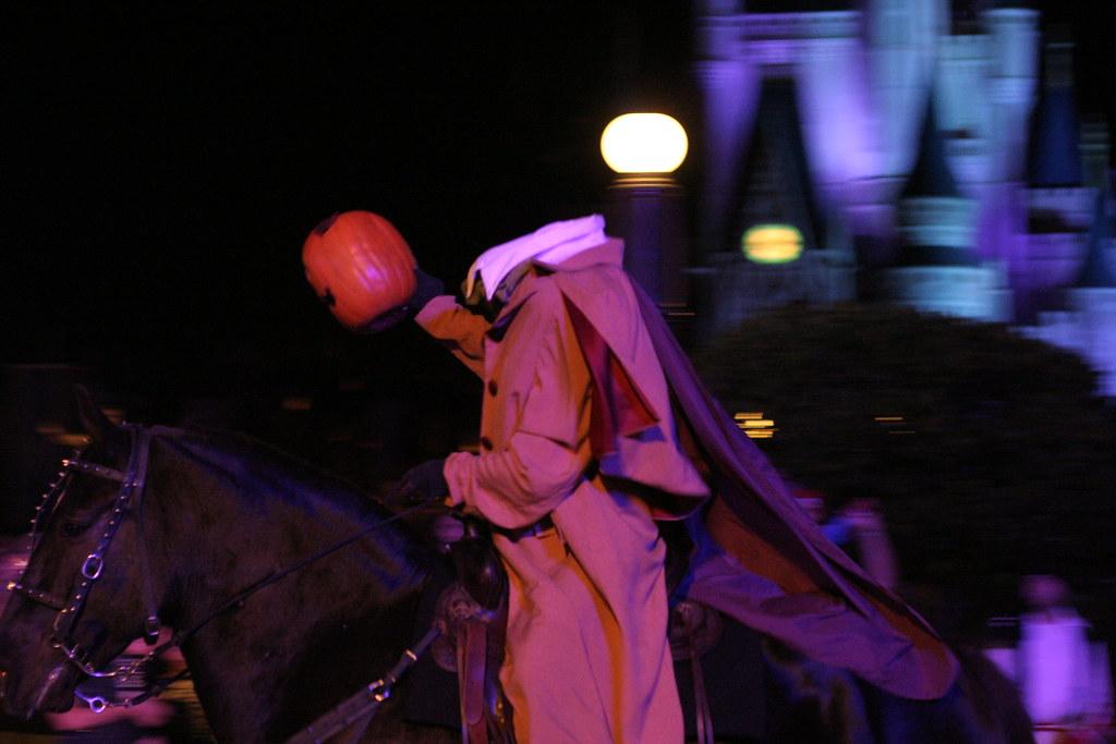 Legenda o Noći Veštica  5147810080_3854b071a5_b