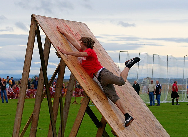 Obstacle Race - Dornoch Highhland Gathering 2007