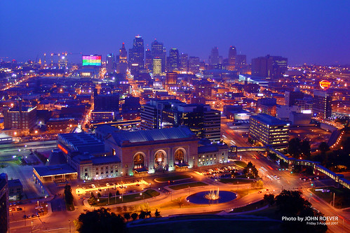 kansascity unionstation libertymemorial nighttime skyline citylights missouri downtown august friday 2007 view towerafterdark brillianteyejewel trainstation railstation railroadstation downtownkansascity kansascityskyline kcmo kcskyline skylineofkansascity kcunionstation kansascityunionstation kansascitymissouri jacksoncounty nightphoto nightphotograph nightphotography nightimagery night 1000views 2000views 3000views 4000views 5000views kansascityatnight 6000views 7000views 8000views