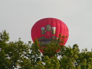 Officiere in der Gewalt des Feindes wurden in der Stadt Dresden internirt und mit dem Ballon entflohen waren 166