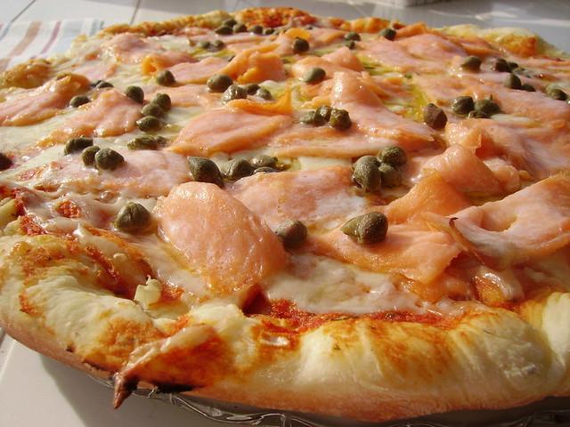 pizza au saumon fum flickr photo sharing. Black Bedroom Furniture Sets. Home Design Ideas