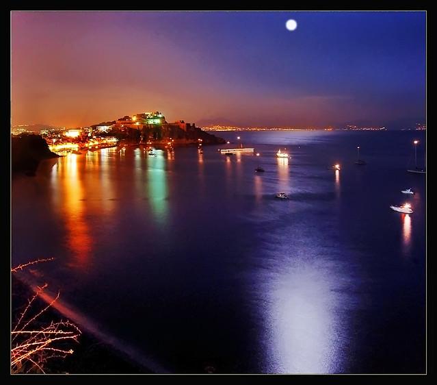 Procida - Full moon on the bay