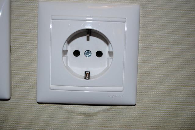220 volt outlet: