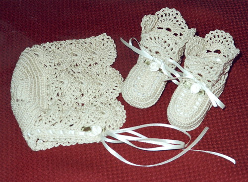 Crocheted Bonnet Set Ecru