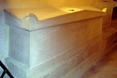 Paris - Latin Quarter: Panthéon - La crypte galerie ouest - le tombeau de Victor Hugo