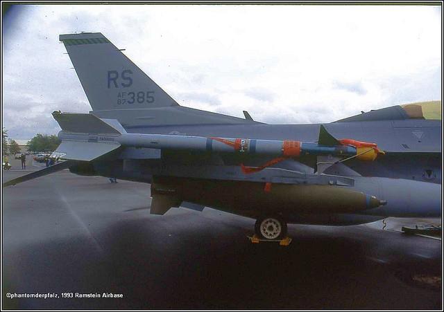 87-0385.RS.F-16D.526th FS.86th FW.