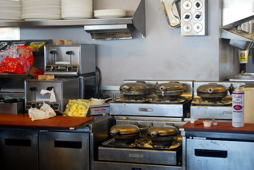 Review waffle house for Waffle house classic jukebox favorites