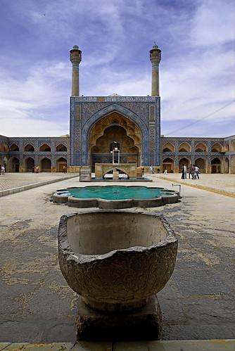nikon asia iran middleeast persia mosque d200 friday esfahan masjid 0704 gettyimages isfahan dx jame kaba اصفهان ايران مسجد جامع seljuk safavid masjed robale 18200mmf3556gvr supersix youngrobv dsc7102