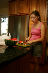 kelly cutting up watermelon    MG 4122