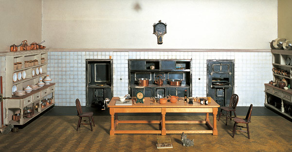 The Kitchen In Queen Mary S Dolls House Flickr Photo