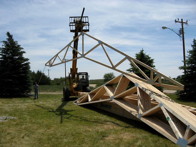The 39 Scissor 39 Trusses Make A 39 Cathedral 39 Ceiling In The