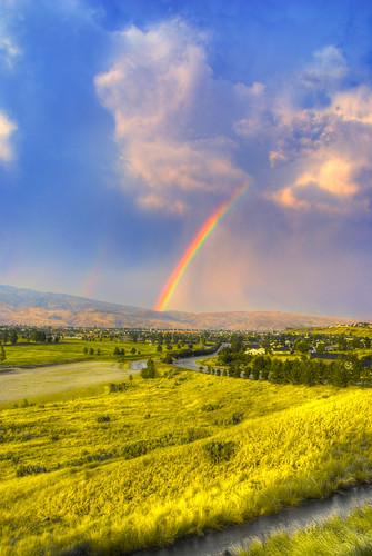 road grass rainbow hills boise soe 1870mm 18mm blueribbonwinner soccerfields specnature nikond80 resizedforflickr hdrd3exp