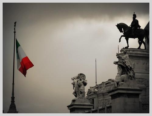 Gli italiani e le istituzioni, aumenta la sfiducia nella politica$