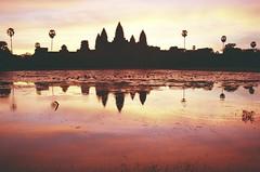 Sunrise behind Ankor Wat