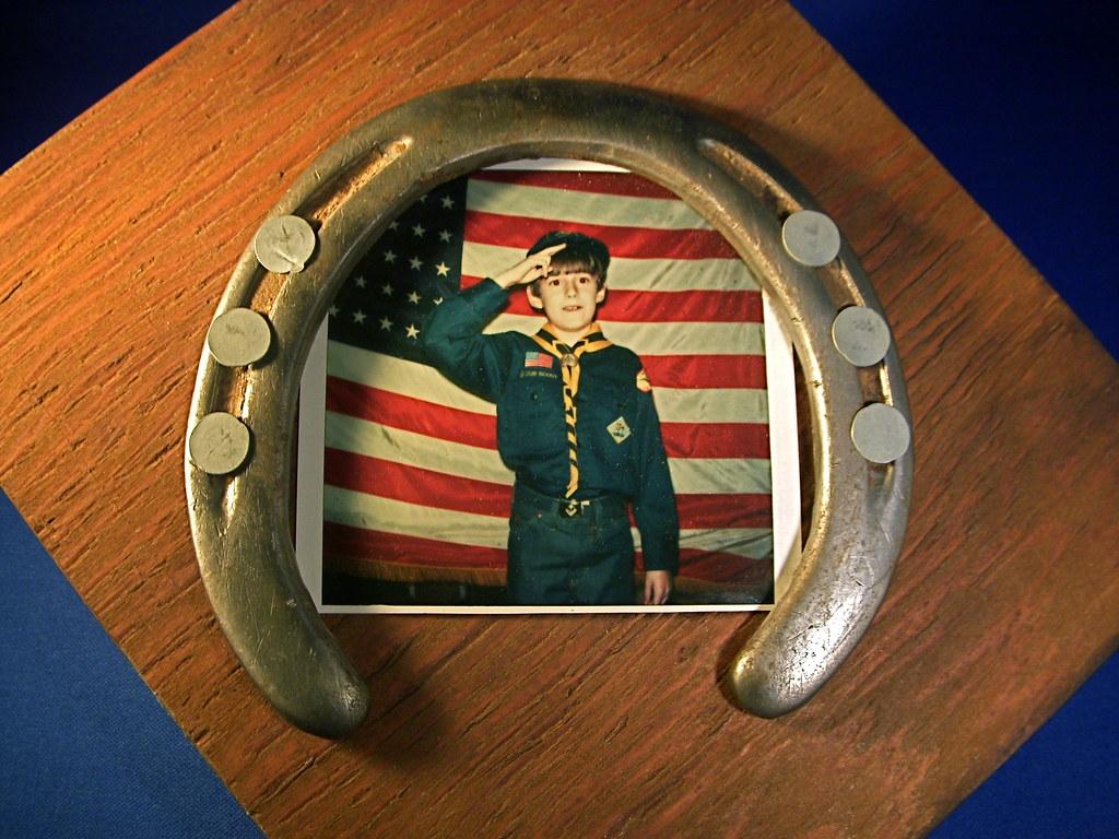 1977 Cub Scout Horseshoe Frame