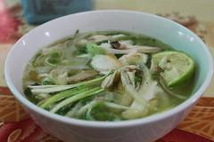vegetable(0.0), noodle soup(0.0), produce(0.0), canh chua(0.0), noodle(1.0), pho(1.0), food(1.0), dish(1.0), soup(1.0), cuisine(1.0),