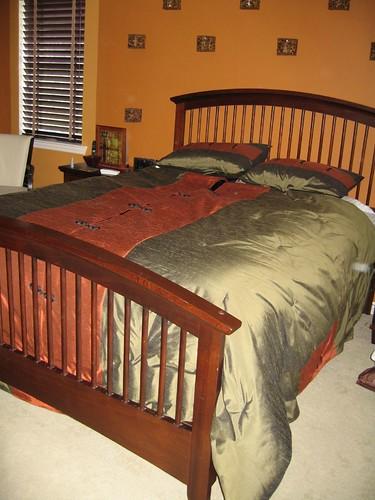 Queen Bedroom Suite: Modern Mission Style Bedroom Suite - Queen