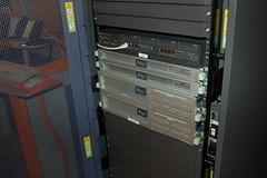 personal computer hardware(0.0), desktop computer(0.0), personal computer(0.0), computer hardware(0.0), electronic device(1.0), server(1.0), computer case(1.0), computer cluster(1.0),