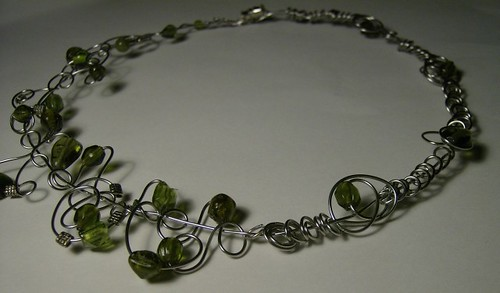 Green asymetric necklace