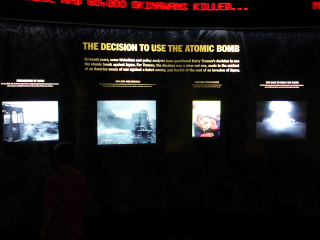 the decision to use the atomic Wwii test 1) the decision to use atomic weapons to end world war ii quickly and with minimal us casualties was made by president harry s truman which of these factors offers the strongest.