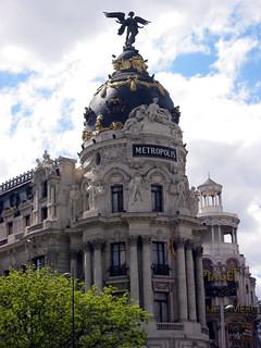 Εικόνα από Edificio Metrópolis κοντά σε City Center. madrid street sculpture geotagged spain metropolis espagne spanien spagna granvía spanelsko