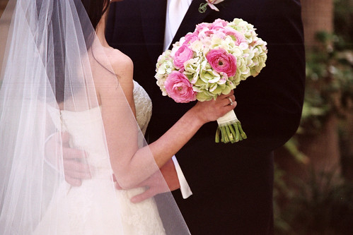 Bride and Groom with pink pastel bouquet