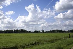 Molen met wolkenlucht