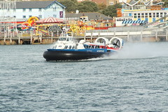 f1 powerboat racing(0.0), vehicle(1.0), powerboating(1.0), boating(1.0), motorboat(1.0), watercraft(1.0), boat(1.0),