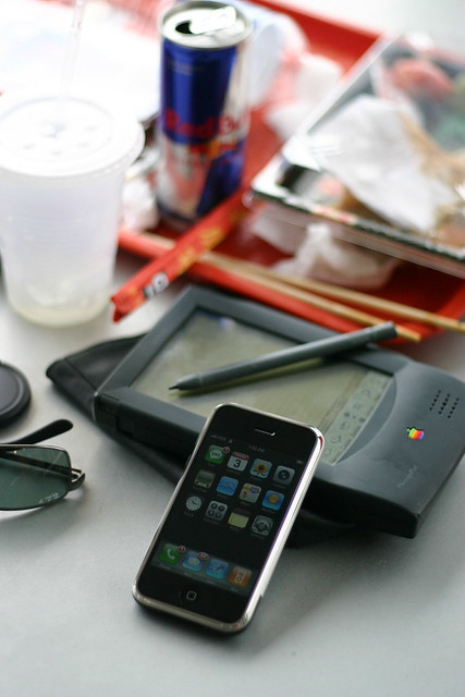 2007 Apple iPhone meets 1993 Apple Newton