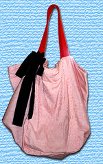 bag(1.0), pattern(1.0), shoulder bag(1.0), hobo bag(1.0), handbag(1.0), maroon(1.0), tote bag(1.0), electric blue(1.0), pink(1.0),