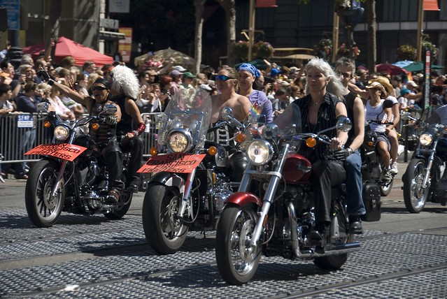 how to join dykes on bikes