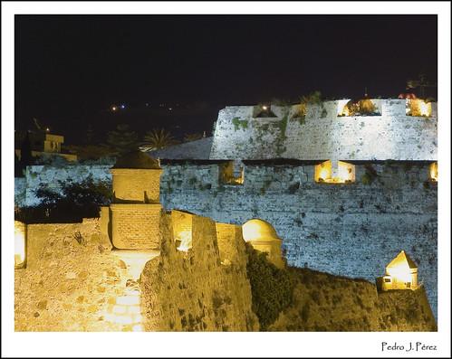 africa castle luz night noche northafrica medieval walls septa gibraltar estrecho foso ceuta murallas minarete caballa ceutí