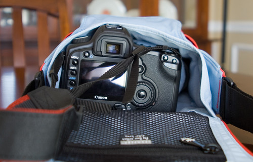 Crumpler 4 million dollar home (bag) w/Canon 5d
