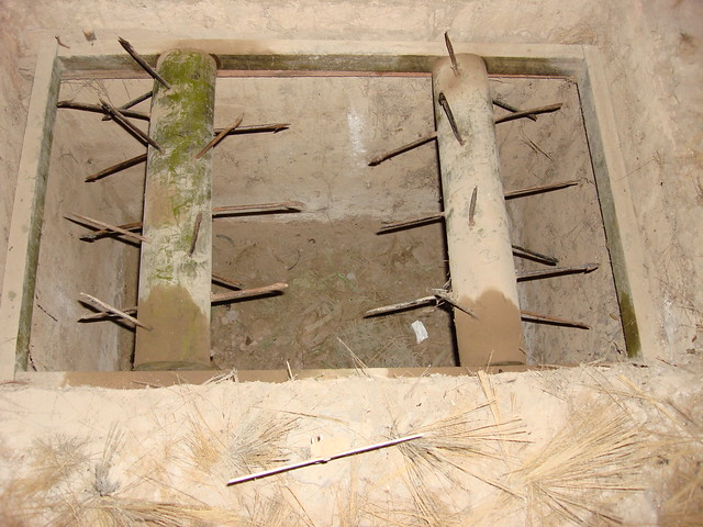 how to build a tunnel trap