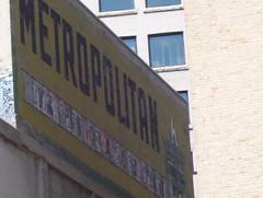 "Metropolitan ""The Sign of a Good Show"""