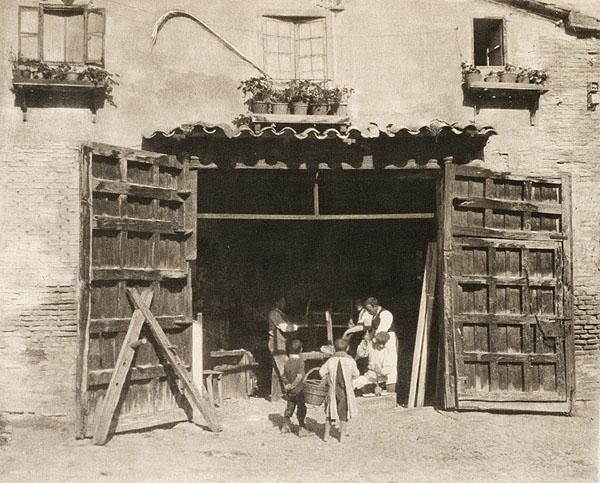 A Carpenters´s shop. Foto del escocés James Craig Annan en 1914. The Metropolitan Museum of Art, New York