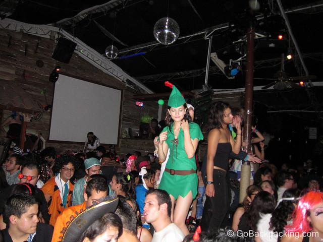 Inside El Cuervo discoteca