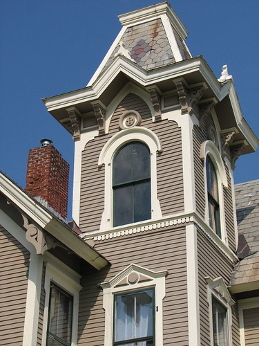 usa house detail tower home window architecture vermont queenanne victorian historic ornate roundel elaborate foursisters woodframe addisoncounty clintonsmith deaconcrane 13washingtonstreet middleburyvermontusa origamidon donshall