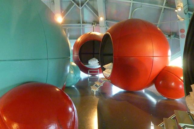 112 - Atomium