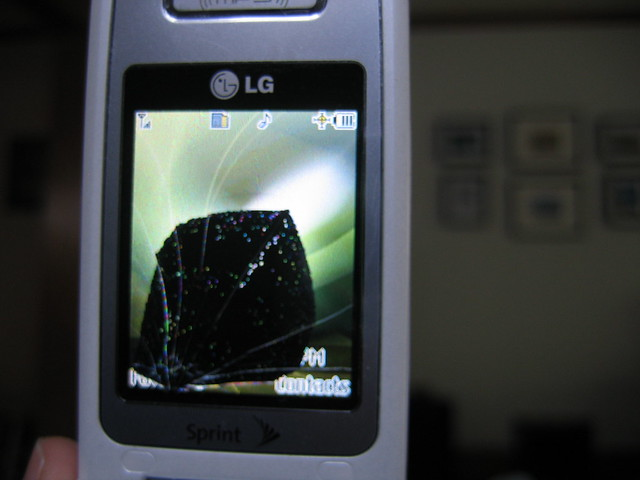 how to get photos off a phone with broken screen