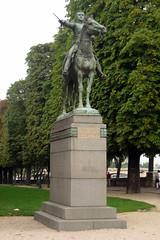 Paris: Cours la Reine - monument à Bolivar