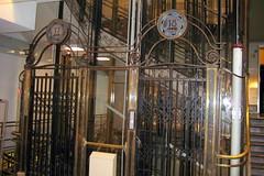 Paris - Opéra Quarter: Galeries Lafayette - elevator