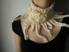 Elan ... Knitted Neckwarmer / Scarflette - Ivory - Cream - Roses